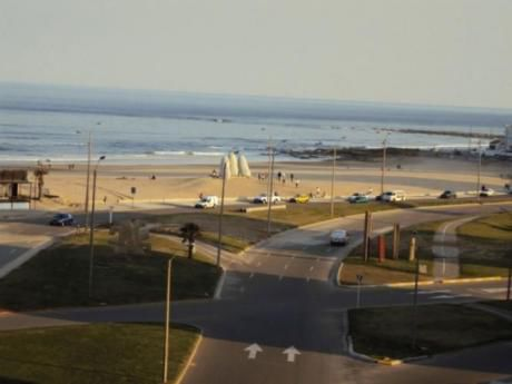 Parquemar Center- Frente Playa Brava  3dorm-2bn-piso 6