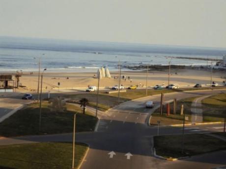 Parquemar Center- Frente Playa Brava  3dorm-2bn-piso 6