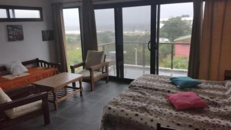 Loft Disfruta Libre Con Sabanas Sillas De Playa Sombrilla Wifi Grande Tv Etc.
