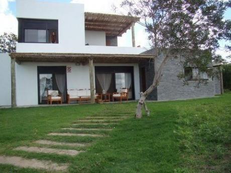 Casa Frente Al Mar- Guazuvira Nuevo
