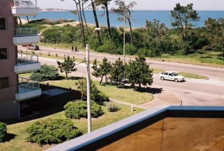Apartamento Frente Al Mar En La 14 De La Mansa.