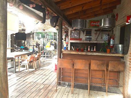 Alquilo Casa Por Temporada En Punta Del Este - ( Maldonado )