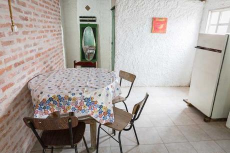 Cabaña Para 4 Personas, Con 2 Dormit, Jardín Con Parrillero, A 500 Mts Del Mar