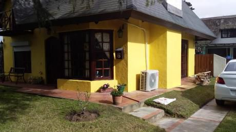 Linda Casa Para Familia ,amplio Patio, Parrillero Cerrado Muy Linda Zona
