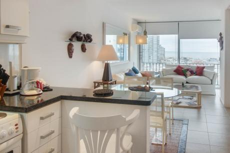 Moderno Apartamento Con Vista Al Mar - Lafayette I