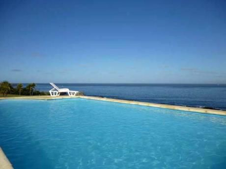 Chalet En 1ª Línea Frente Al Mar - Con Piscina - Punta Ballena - Península