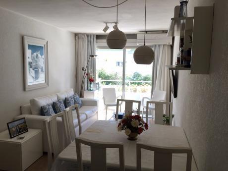 Alquilo Apartamento En El Corazón De Punta Del Este En La Península