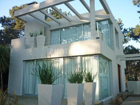 Moderna Y Amplia Casa En Montoya