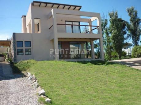 Casa Moderna En La Barra A Pasos De Playa Montoya