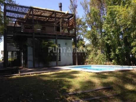 Casa Con Piscina En Montoya