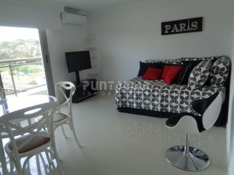 Edificio Nuevo Con Amenitis, Muy Confortable , Apartamento De Un Ambiente , Un Baño Y Garage