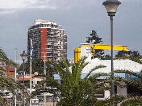 Alquilo Apto. 2 Dormitorios 2 Baños Servicio Mucama, Garage. 50 Mts.mar Y Puerto