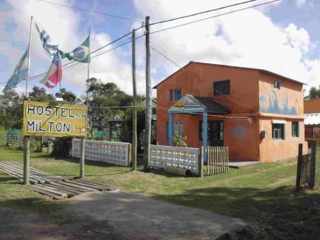 Hostel Lo De Milton Valizas Rocha Uruguay Alquiler Habitacion Casa Playa Dia