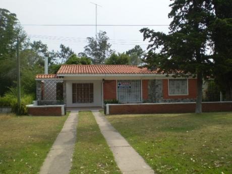 Amplia Casa En La Floresta, Canelones
