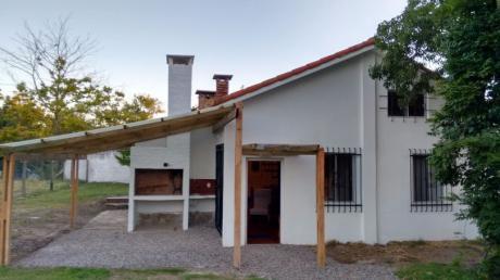 Casa En Atlántida Límite Entre Pinares De Atlántida Y Las Toscas