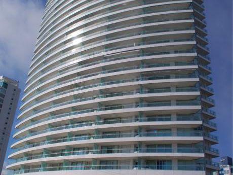 "Impresionante Apartamento ""season Tower Punta Del Este"""