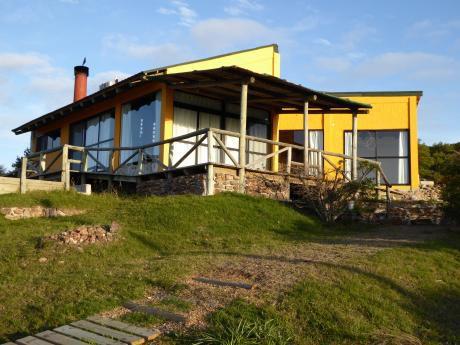 Hermosa Casa Con Gran Vista A Mar Y Cerros