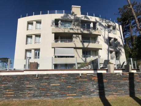 Excelente Apartamento Con Vista Playa Mansa - Edificio Summervile