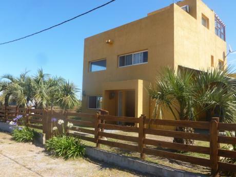 """Casa En Punta Del Diablo """"calypso"""""""