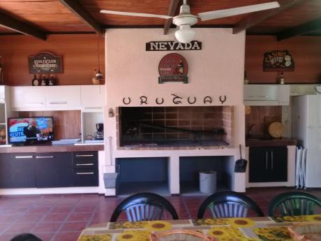 "Espectacular Chalet En Punta Del Este ""clariluna"" - Pda 27 Playa Mansa"