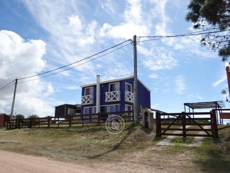 Casa Aguanile