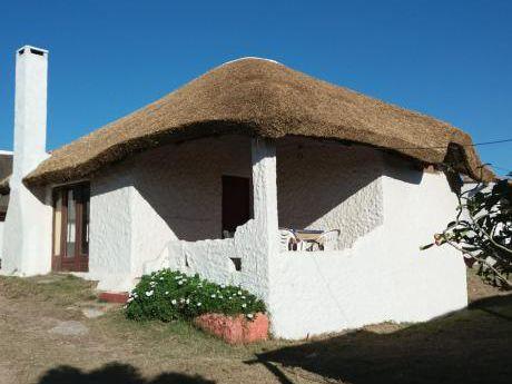 Cabañas Beija Flor - Centro De Punta Del Diablo Tel:44772030