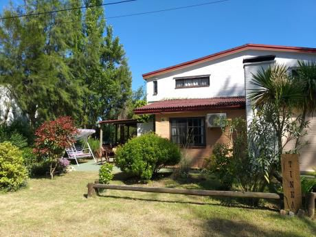 Casa Punta Colorada, 100m Del Mar, Jardin, Fondo, Parrillero, 2d, Suite, Cochera