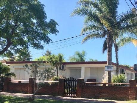 Casas  Piriápolis Centro -fines De Semana -feriados