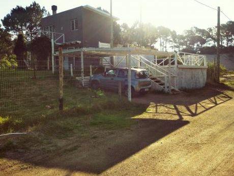 Casa A Pasos Del Mar, Con Gran Jardín