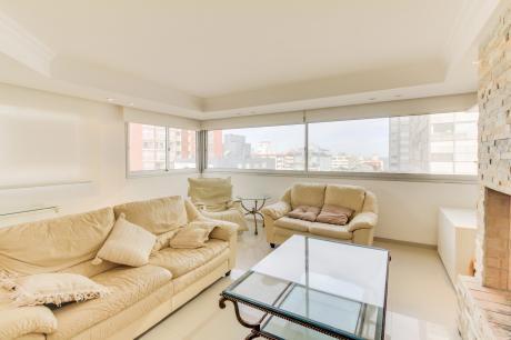 Apartamento En Punta Del Este Con Vista Al Mar