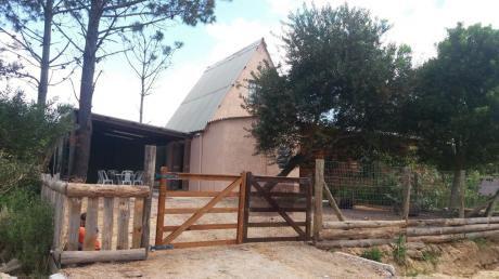 Cabaña En Entorno Tranquilo Y Arbolado