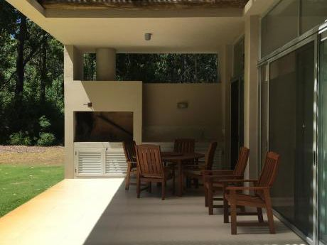 Village Design, Luminosa Casa Para Disfrutar En Familia. Solanas Punta Ballena