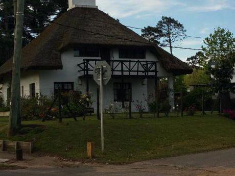 Casa En Pinares Para 12 Personas